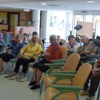 Lecture dans les maisons de retraites